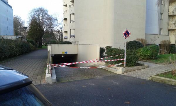 parking fermé