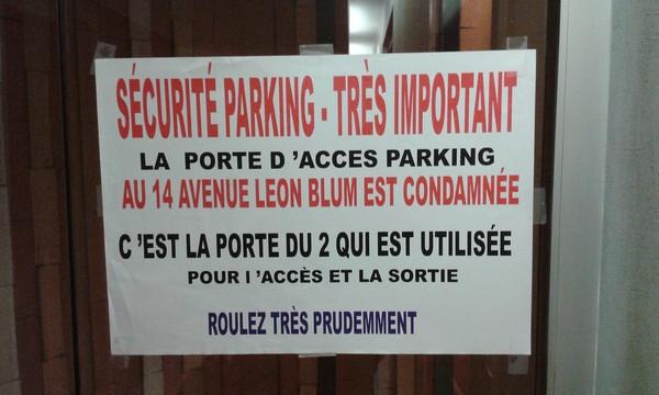 Affiche d'avertissement